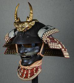 Myochin Muneyasu suji bachi kabuto.