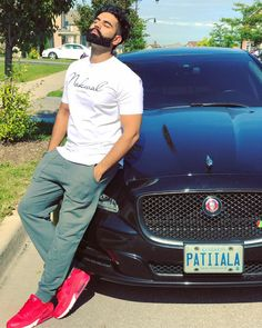 Parmish Verma is a movie director in Punjabi Industry. He started his career by acting in his father's movie Punjab Bolda. Wedding Couple Poses Photography, Couple Photoshoot Poses, Photography Poses For Men, Punjabi Men, Punjabi Models, Stylish Girls Photos, Girl Photos, Parmish Verma Beard, Handsome Celebrities