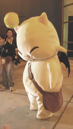 Aaaaw, Yuna hid in this costume! moogle cosplay - Recherche Google