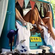 ".com ☆vw☆vw☆vw☆vw☆vw☆vw☆vw☆vw☆ ●○●○● VW BUS FEATURES ONLY ●○●○● ☆vw☆vw☆vw☆vw☆vw☆vw☆vw☆vw☆ TAG: @skinnerclassics 4☆Feature  Feature: #hotvws #vwgirls #bikinis  Check us out on FB @ ""Skinner Classics VW Restorations"". Your Split Bus Restoration Shop in Northern California, 30+ years!  #aircooled#vwbus #kombi #sc #deluxe #busporn #splitbus #dc #scvwr #vw #slammed #lowbus #stock #vdubs #patina #earlies #bagged #vwrecovery #hoodride #abandonedvw #rusty #vwlife"