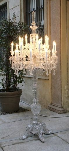 This chandelier is freaking gorgeous! And you believe they made it on a crystal lamp post? OMG I would die to have this gorgeous lamp! Casas Shabby Chic, Shabby Chic Decor, Home Decoracion, Beautiful Lights, Chandelier Lighting, Chandelier Floor Lamp, Solar Chandelier, Outdoor Chandelier, White Chandelier