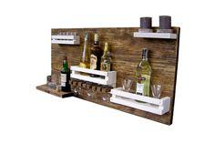 Decoratie/Moodboard minibar. Handig voor de sterke drank flessen, wodka glaasjes en wijnglazen. met speciaal barretje om aan de bar in te schenken ;)  (Kleur, Antiek eiken)