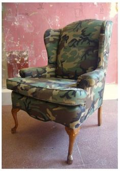 Camo Wingback... Or as we'd call it The Love Seat! ;-) #airbourne #halobaby #myarmyofone