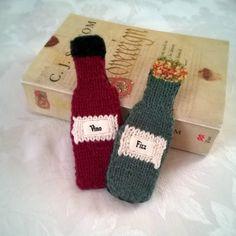 Knitted Wine Bottle Bookmark 'Vino'  Wine by SerenknittyCorner
