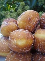 Varomeando: Bombas rellenas de crema Malasadas Recipe, Sweet Recipes, Cake Recipes, Thermomix Desserts, Plum Cake, Bread Machine Recipes, Mini Cheesecakes, Food Diary, Desert Recipes