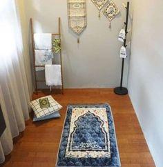 Amazing Praying Room Design Ideas To Bring Your Ramadan More Beautiful 15 Home Room Design, House Design, Decoraciones Ramadan, Prayer Corner, Beautiful Home Designs, Islamic Prayer, Bohemian Style Bedrooms, Prayer Room, Bedroom Styles