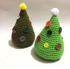Hola ganchilleros y ganchilleras!     Aun queda para navidad pero yo ya voy con las pilas a tope! y mirad que árbol más chulo os he prepa...