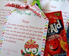 Sunla Designs: Goody Bags- Kool-Aid Play Dough Kits - I like this idea for Valentines, whose got a corny pun for me? Diy Christmas Gifts For Kids, Preschool Christmas, Christmas Goodies, Christmas Printables, Homemade Christmas, Christmas Crafts, Crafts For Kids, Preschool Class, Christmas Stuff