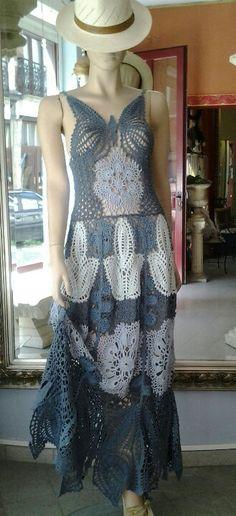 Ramona créatrice de la maille OMG This dress is SO gorgeous! Form Crochet, Crochet Woman, Crochet Lace, Knit Dress, Dress Skirt, Vestido Multicolor, Lace Outfit, Special Dresses, Crochet Clothes