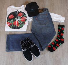 @shiftyskateshop Outfit. 🔹Huf - Curved brim 6-panel 🔹Polar - Marta's roses longsleeve 🔹Levi's skateboarding - 511 Balboa 🔹Huf - Pop it crew socks 🔹Nike SB - Janoski slip-on #polar #hufsf #levisskateboarding #enschede #skateshop #nikesb #Haverstraatpassage