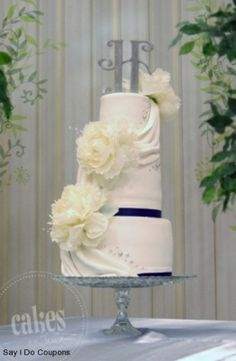 navy-blue-and-silver-wedding