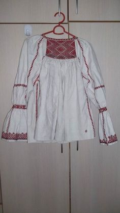 Dress Sites, Folklore, Textiles, Costumes, Traditional, Embroidery, Knitting, Cooking, Blouse