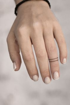Tiny Finger Tattoos, Finger Tattoo For Women, Finger Tattoo Designs, Finger Tats, Henna Tattoo Designs, Cool Small Tattoos, Small Tattoos For Guys, Little Tattoos, Mini Tattoos