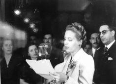 #Evita #EvaPeron President Of Argentina, Funeral, Presidents, Llamas, Actresses, History, Concert, Lady, Queens