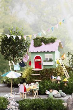 The little house on the hill www.pandurohobby.com Miniature worlds by Panduro #panduro #diy #miniature #miniatyr #miniland #mini #fairy #pixie #miniatures