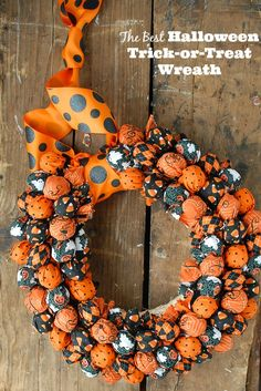 Making the Best Halloween Trick-or-Treat Wreath