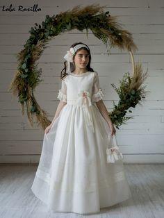 Color Rosa Claro, Girls Dresses, Flower Girl Dresses, First Communion Dresses, Wedding Dress Styles, Fashion Dresses, White Dress, Shopping, Rarity