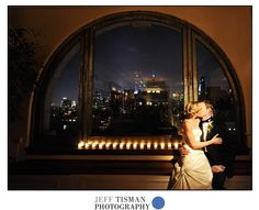 Our windows are always showcasing a stunning view of New York City! Accentuating your love story throughout your photos.  https://www.manhattanpenthouse.com/  #newyork #newyorkwedding #weddingvenue #manhattanpenthouse #love #manhattanvenue  Photo Credit: Jeff Tisman Photography