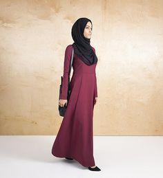 Burgundy Structured Abaya - Outlet - £39.99 : Inayah, Islamic Clothing & Fashion, Abayas, Jilbabs, Hijabs, Jalabiyas & Hijab Pins