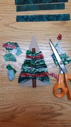 No Sew Fabric Christmas Tree Ornament - - No Sew Fabric Christmas Tree Ornament Holidays Bild von Zierstoff Fabric Christmas Ornaments, Handmade Christmas Decorations, Christmas Sewing, Christmas Crafts For Kids, Felt Christmas, Holiday Crafts, Christmas Banners, Diy Ornaments, Christmas Gingerbread