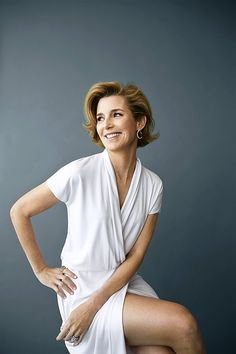 Sallie Krawcheck, chair of leading women's networking group Ellevate Network, says it's important to fight the urge to enter response mode.