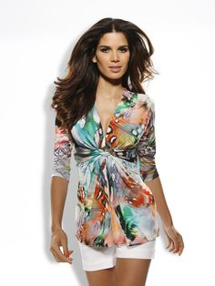 Farb- und Stilberatung mit http://www.farben-reich.com/ Druckshirt, Shorts in weiß