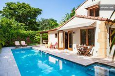 Poolside Cabana Suite South Beach à Miami Beach