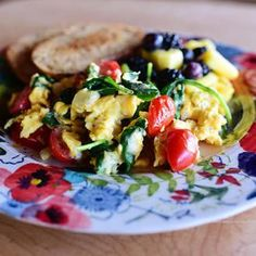 Disclaimer: These breakfast burritos are not fancy. These breakfast burritos are not gourmet. These breakfast burritos are not haute Tex-Mex cuisine. These breakfast burritos are exactly that: brea… Brunch Recipes, Breakfast Recipes, Breakfast Cooking, Breakfast Ideas, Paleo Breakfast, Breakfast Casserole, Dinner Recipes, Clean Eating, Healthy Eating