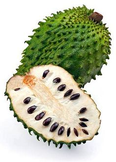"☛ In keeping with Breast Cancer Awareness Month we bring you Graviola. This tree is called Graviola and ""soursop"" in English. The principal interest in this plant is due to its strong anti-cancer effects. Herbal Remedies, Health Remedies, Natural Remedies, Fruit And Veg, Fruits And Veggies, Fruit Juice, Soursop Fruit, Health Benefits, Health Tips"