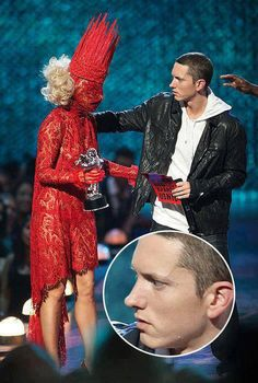 Humor Discover Eminem meeting Lady Gaga for the first time. Now that& genuine concern. Gosh I laughed so hard. which is why I adore Eminem LOL Awkward Funny Haha Funny Funny Stuff Fun Funny Funny Shit Memes Estúpidos Life Memes Life Quotes Frases Humor Awkward Funny, The Funny, Lol Memes, Funny Memes, Funny Videos, Hilarious Jokes, I Love To Laugh, Laughing So Hard, Just For Laughs