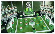 Trendy Ideas For Birthday Cupcakes Boy Football Soccer Birthday Parties, Soccer Party, Sports Party, Dad Birthday, Birthday Party Decorations, Party Themes, Birthday Cupcakes, Party Ideas, Soccer Decor