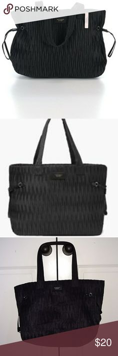 Victoria's Secret 2017 Limited? Edition Black Bag Victoria's Secret 2017 Limited? Edition Black Carry all Bag. Zips up on the top. Victoria's Secret Bags Shoulder Bags