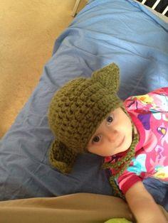 Love of Worker Bees: Warm Yoda baby hat - free crochet pattern Crochet Kids Hats, Crochet Cap, Crochet For Boys, Crochet Gifts, Free Crochet, Baby Sewing Projects, Crochet Projects, Diy Projects, Baby Hat Patterns