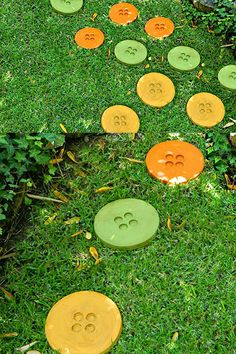 DIY Button Stepping Stones for your garden. Try this unique and original stepping stone idea in YOUR garden today.