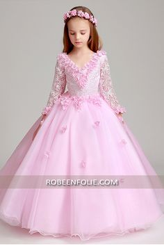 247f52f0cef92 Robe de soirée longue en tulle et dentelle de couleur rose avec manches  longue… #robe_soirée_enfant #robe_soirée_fille