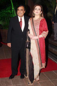 Celebs galore at Arpita-Aayush grand wedding reception Mukesh & Neeta Ambani