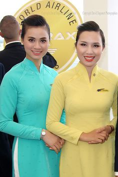 Stewardesses Vietnam Airlines | totoro - David D. | Flickr