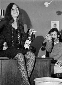 Janis Joplin, a bottle of Southern Comfort, a paper airplane, and John Simon, 1968 (photo: Elliot Landy) Janis Joplin, Acid Rock, Gi Joe, Rock N Roll, Jimi Hendricks, Singer Songwriter, Big Brother, Women Of Rock, Punk