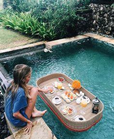 Imagen de pool, food, and girl