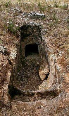 Tumba etrusca del siglo Vl a.C. hallada en Chipre