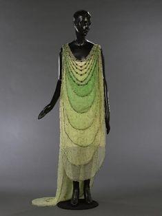 Dress (front)  Madeleine Vionnet, 1924  Musée Galliera de la Mode de la Ville de Paris