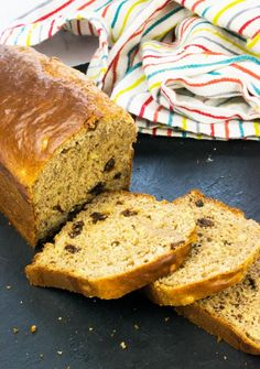 Slimming LOW SYN BANANA BREAD RECIPE - a healthy Slimming World cake recipe for the whole family. - A simple, delicious and low syn banana bread recipe. Slimming World Banana Cake, Slimming World Desserts, Slimming Recipes, Slimming World Cookies, Best Banana Bread, Banana Bread Recipes, Cake Recipes, Pudding Recipes, Meal Recipes