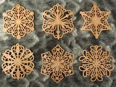 SLDK197 - Filigree Snowflake Ornaments