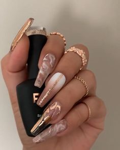 Gold Acrylic Nails, Summer Acrylic Nails, Rose Gold Nails, Pastel Nails, Aycrlic Nails, Dope Nails, Pointy Nails, Glow Nails, Ongles Bling Bling