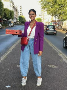 Street Style - Part 1 Milan Fashion Week Spring/Summer 2020 - FunkyForty Outfit Jeans, Slouchy Outfit, Slouch Jeans, Slouchy Pants, Mode Outfits, Jean Outfits, Fashion Outfits, Pantalon Slouchy, Jean Moda