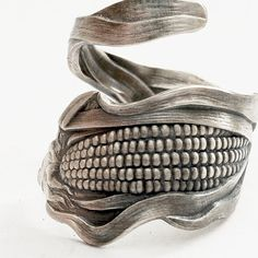 Ode to Corn, Sterling Silver Spoon Ring .. Don't like rings made from forks and spoons but I love this one!!
