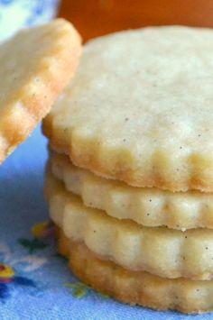 Vanilla Bean Shortbread Tea Cookies  | Simple, elegant shortbread cookies made with real vanilla bean