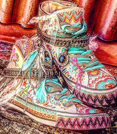 The bohemian pattern is one of the greatest ones. In the present post we are going to glance through amazing boho chic shoes to take a stab at the boulevards… Bohemian Shoes, Bohemian Style Clothing, Bohemian Mode, Boho Gypsy, Hippie Boho, Grunge Fashion, Boho Fashion, Fashion Shoes, Womens Fashion