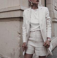 51dd8771cb14 Feminint Mode, Modeidéer, Sommaroutfits, Fakta, Hörnskåp Garderob, Lediga  Kläder, Jackor