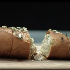 Filled garlic bread – Famous Last Words Naan, Sandwiches, Paleo Meal Plan, Paleo Diet, Brunch, How To Eat Paleo, Cuisines Design, Garlic Bread, Unique Recipes